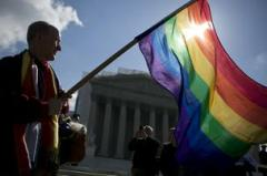 scotus-gay-flag-bloomberg*304