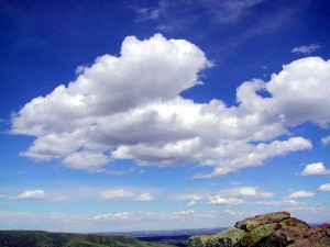 Cumulus_clouds_in_fair_weather-300x225
